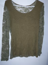 size med lace sleeve and back top $5 Central Okanagan