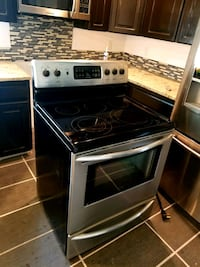 Frigidaire smooth top stove Lacey, 98516