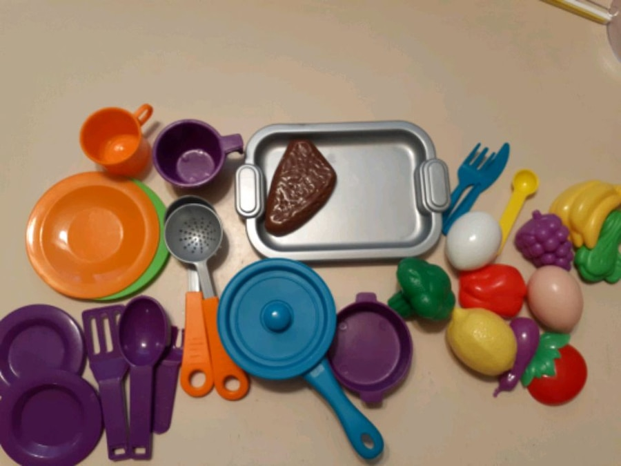 Photo Play kitchen and accessories