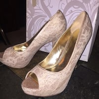 Size 11 off white lace high heels Anchorage, 99507