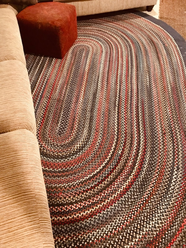 BEAUTIFUL HUGE AREA RUG AND MATCHING AISLE RUNNER