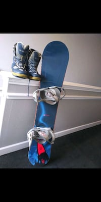 Snowboard and boots (will deliver)