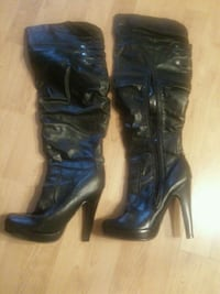 black leather knee-high side-zip heeled boots Port Coquitlam
