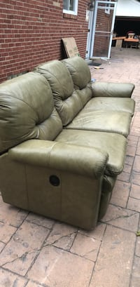 Recliner couch Royal Oak, 48067