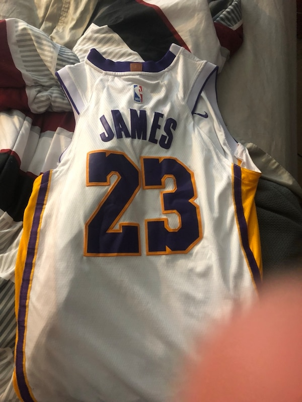 super popular 8d4d8 6c1af Lebron white lakers jersey