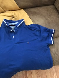Blue Tommy hilfigure polo shirt size small Pickering, L1X 2S4