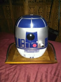 blue and gray R2-D2 toy