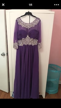 Women's dress size 9/10 Concord, 94519