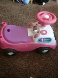 Selling a little toddler riding toy Wichita, 67211