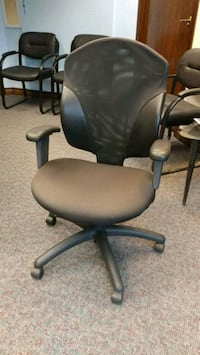 black leather padded rolling armchair office chair Toronto, M5A 4K2
