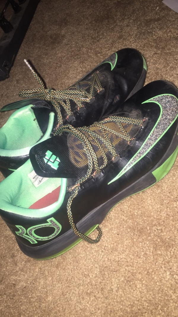 b4eb6f8bb9d8 Used Pair of green-and-black Nike Kevin Durant basketball size 11 shoes for  sale in Palmdale - letgo