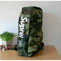 Supreme black and green camouflage duffel bag Chicago, 60615