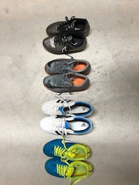 Soccer shoes different sizes Vaughan, L4H 3W5