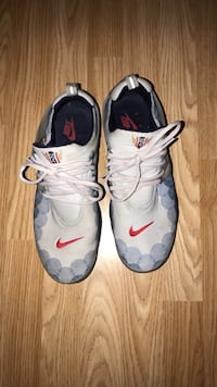 pair of gray Nike basketball shoes Coconut Creek, 33073