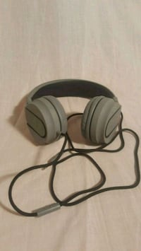 headphones with woven cable and mic Riverton