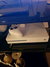 Xbox one s  Ridley Park, 19078