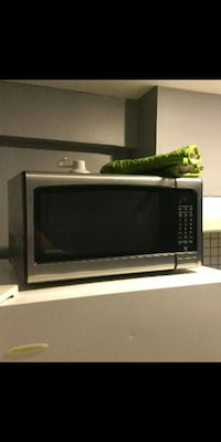 Microwave for sale. Fully functioning, Like new Toronto, M6E 3S3