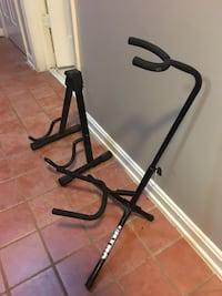 2 guitar stands North Potomac, 20850