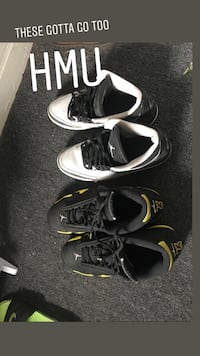 three pairs of assorted-color low-top sneakers 211 mi