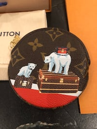 Authentic Louis Vuitton Ltd. Edition Collectible Coin Purse Puslinch, N1H
