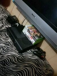 Xbox 360 + 5 games Fort Erie, L2A 3K3