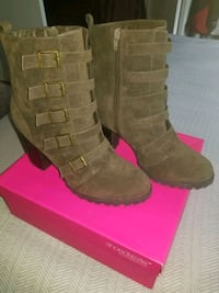 Size 12 super comfortable boots only worn once District Heights, 20747