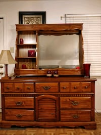 Nice wooden BASSETT dresser with mirror and 9 draw Annandale, 22003