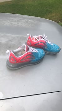 Air max tennis shoes size 6 Women Houston, 77026