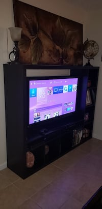 "Entertainment center up to 60"" tv Wilton Manors, 33334"