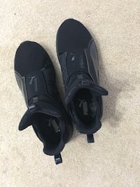 Female puma shoes worn once but too small size 8.5/9 comes with the box Winnipeg, R2N