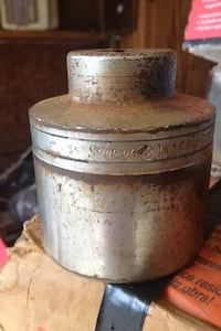 Snap on.   Some surface rust.  Sanded off.  Very solid    2 1/4 inch Guntersville, 35976