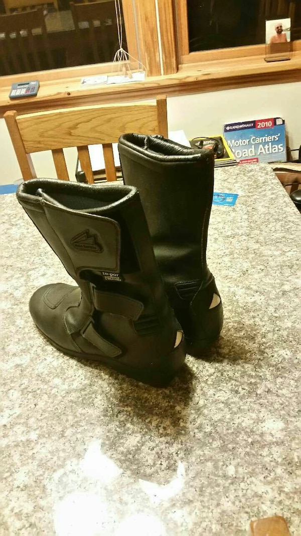 Motorcycle boots Size 10. Like new condition.