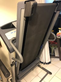 Treadmill (we deliver for a good price ) Houston, 77071