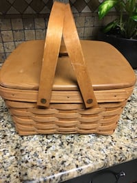 Longaberger cake basket with protector and wooden lid 189 mi