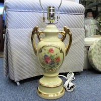Vintage Shabby Chic Table Lamp Working As Is Mississauga