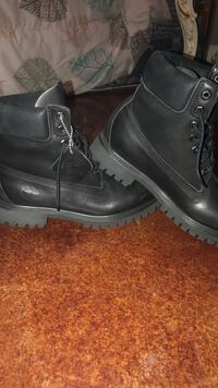 pair of black leather work boots Conway, 72034