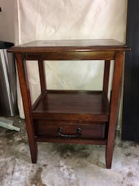 Wooden end table  Baytown, 77521