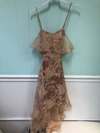 Long flowing tan floral dress (size small) Fairfax, 22031