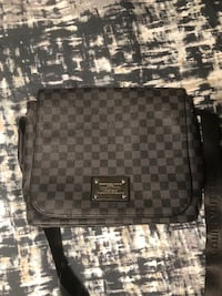 Louis Vuitton Messenger Bag  Vaughan, L6A 4J9