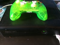Green xbox 360 game console with controller San Luis, 85349