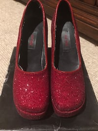 RED RUBBY SLIPPERS!! Size 6 Vienna, 22180