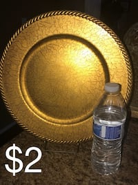 round brown wooden table decor Sun City, 85373