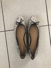 Old Navy sparkle bow flats - size 9 Toronto, M3M 2R4