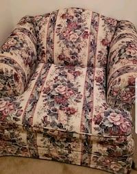 Floral chair Northfield, 44067