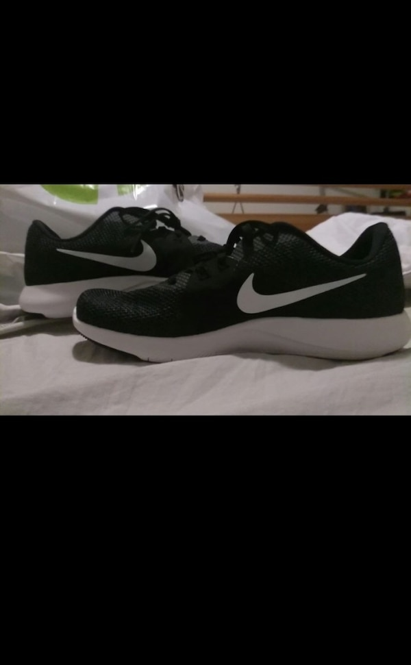 2cae7d082c6 Nike Running Shoes Women Size 10 Only had for a couple of months. HomeOther  Ottawa