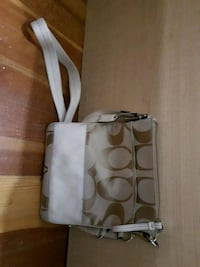 Coach bag/shoulder bag/cross over bag  Vancouver, V5N 5Y3