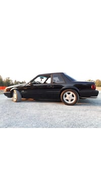 Ford - Mustang - 1987 Surrey, V3W 0A5
