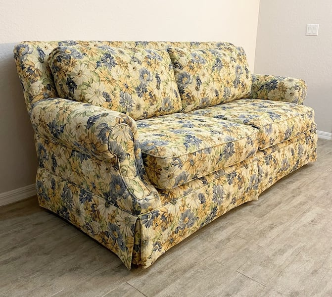 Used Hickory Hill Sofa L 86 X W 42