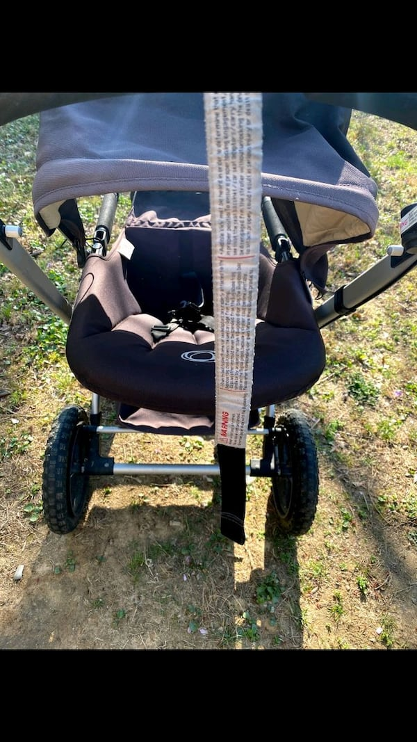 excellent condition Bugaboo Frog jogging and pushing stroller $150 810d4663-d427-4966-87dd-0a4719f2c16e