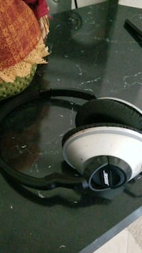 Bose corded headphones 783 mi
